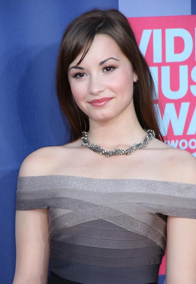 Demi Lovato Devonne >> Demi Lovato
