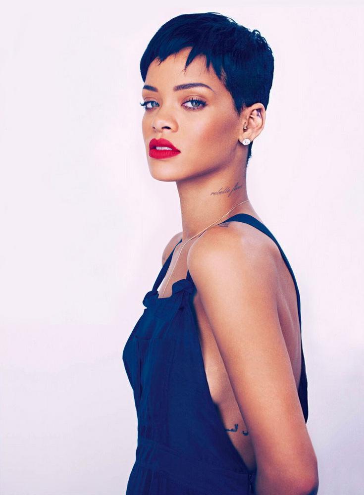 Rihanna Photos - 144.3KB